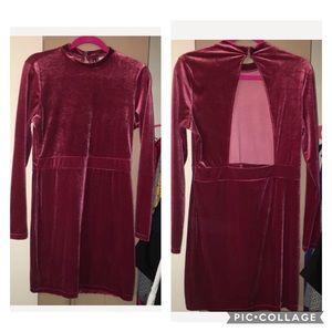 H&M RED VELVET LONG SLEEVE BACKLESS DRESS